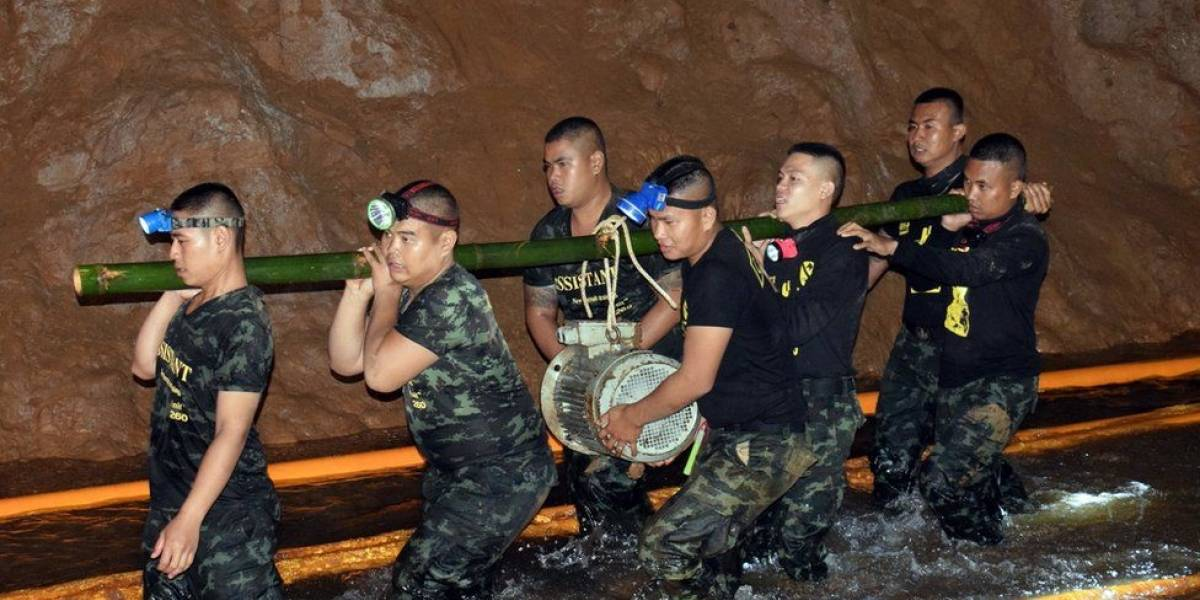 Meninos presos em caverna na Tailândia: Por que ninguém contou aos pais quais já foram resgatados?