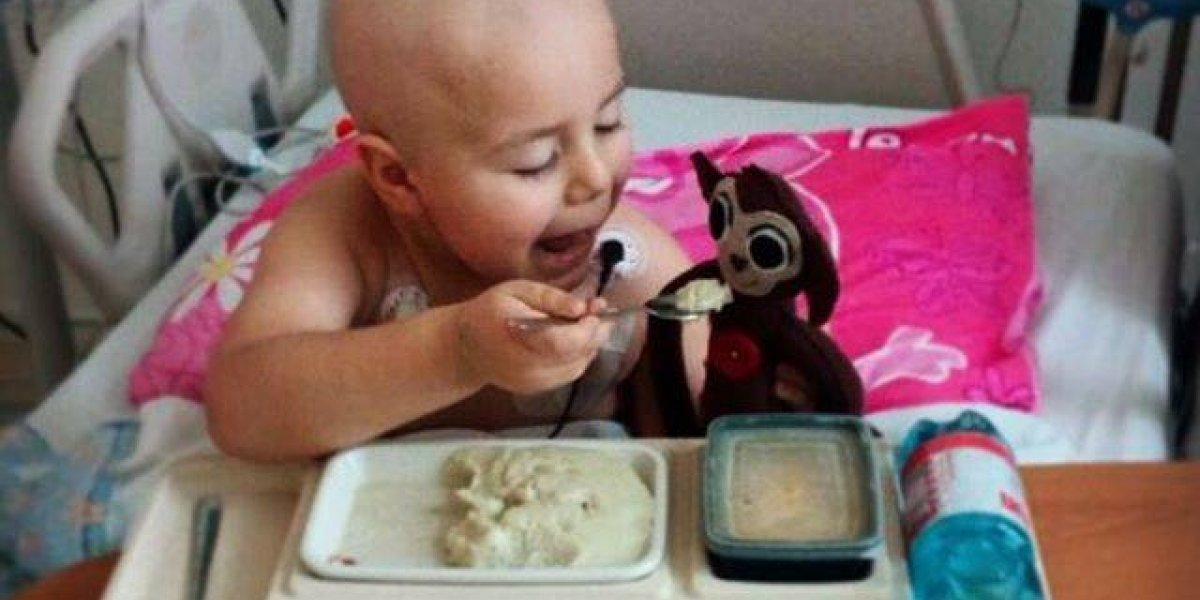 A la quimio con mi simio: ingenioso kit ayuda a explicarle a los niños el tratamiento contra el cáncer