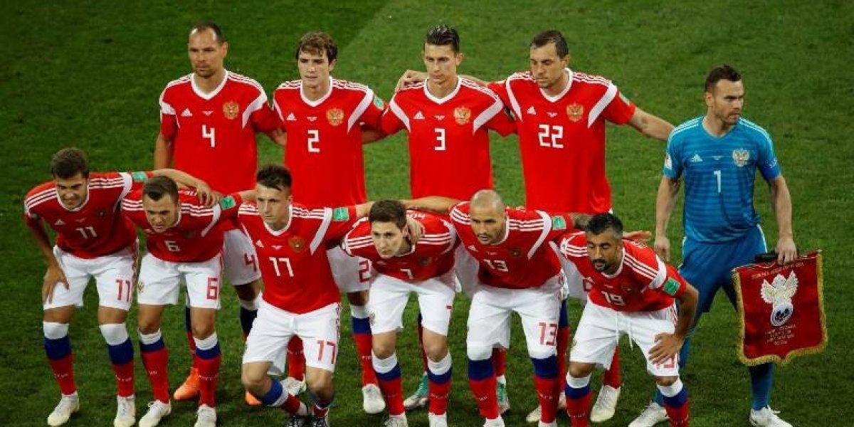 Acusan a futbolistas rusos de inhalar un químico en el Mundial