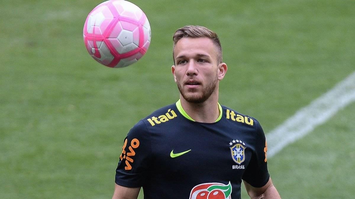 Barcelona ficha al brasileño Arthur por 31 millones de euros