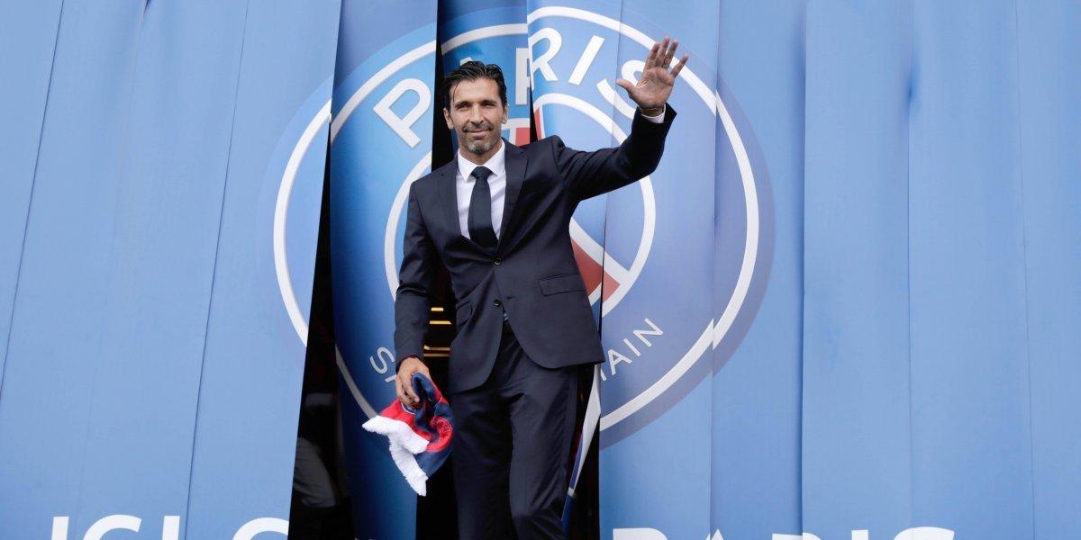 La afición del PSG recibe con algarabía a su nuevo ídolo