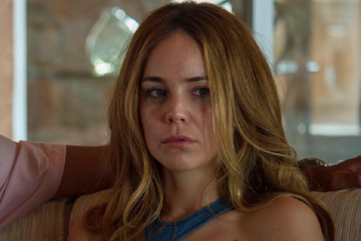 Ana Claudia Desnuda camila sodi es criticada por desnudos en la serie de luis
