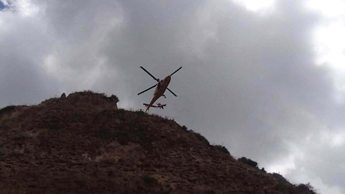 Una persona fallecida por caída en barranco, en el cerro Casitagua, noroccidente de Quito @BomberosQuito