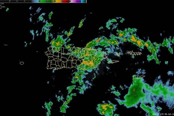 Municipios del área este reciben las lluvias de la onda tropical. Suministrada