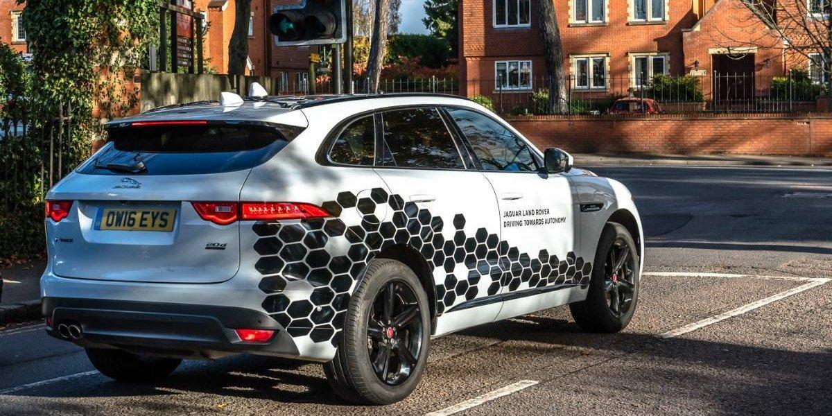 Jaguar Land Rover prueba vehículos autónomos en el Reino Unido
