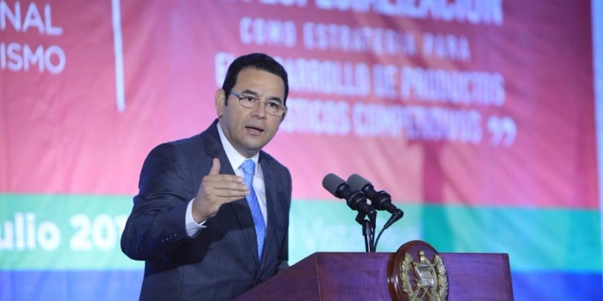 Investigan a presidente de Guatemala por presunto abuso sexual