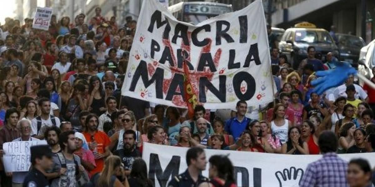 Trueque 2.0: Argentinos recurren a redes sociales para capear la crisis económica