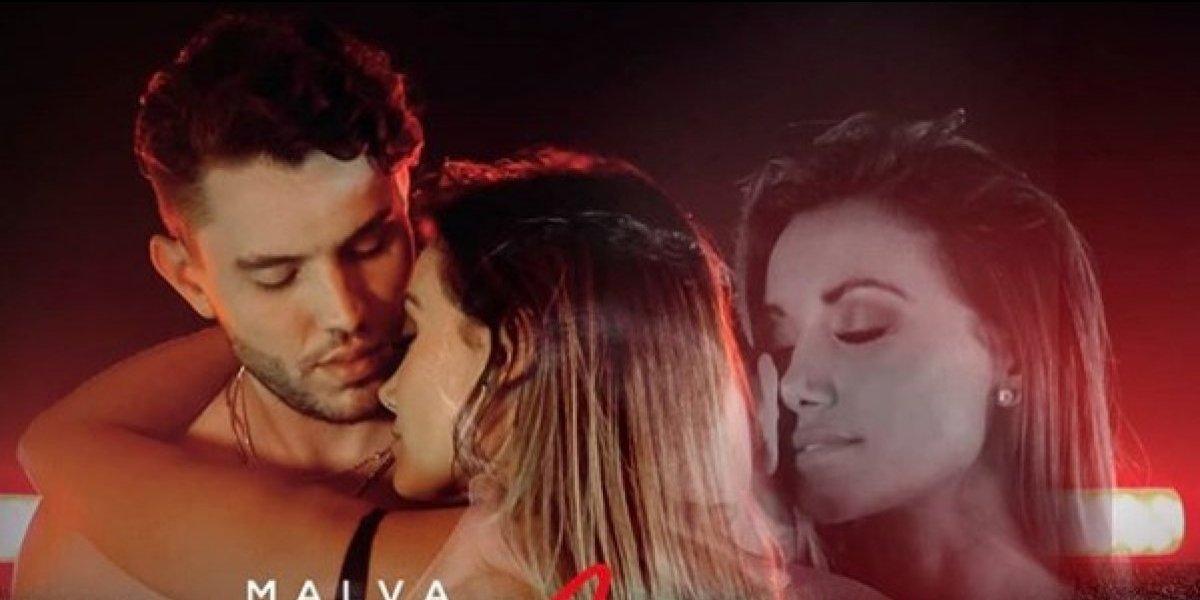 Malva presenta erótico video junto con una Gaby Asturias en sexy lencería