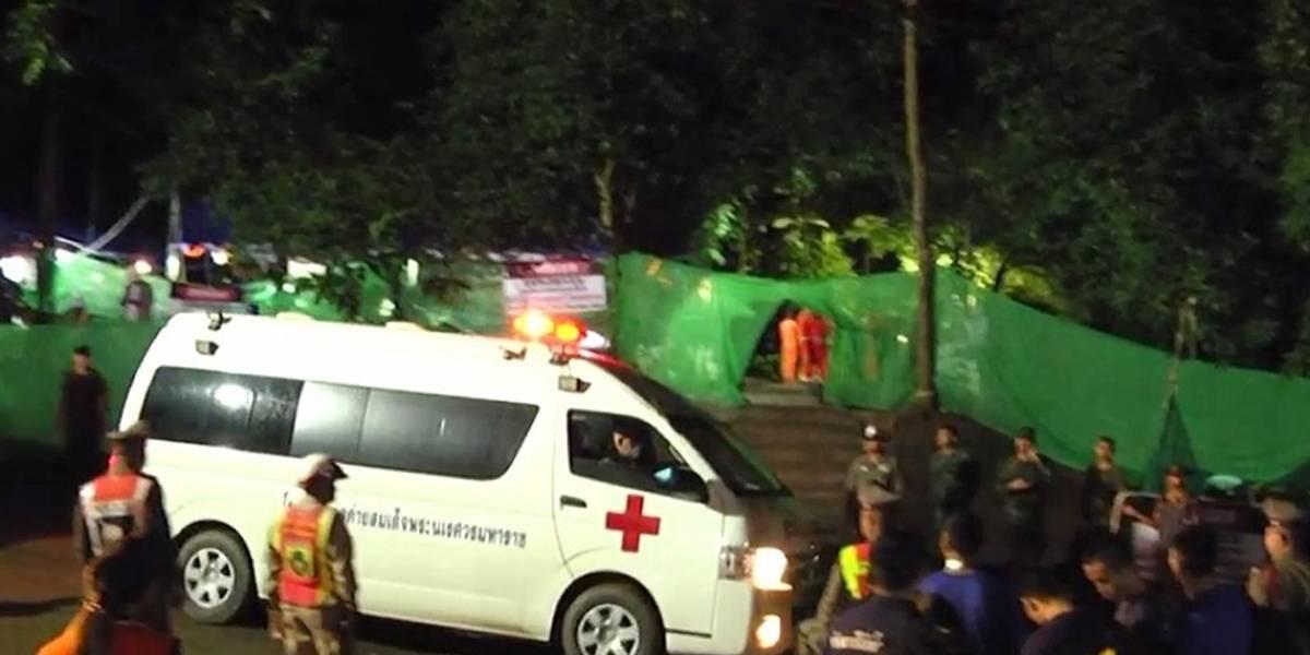 Rescatan al octavo niño atrapado en la cueva de Tailandia