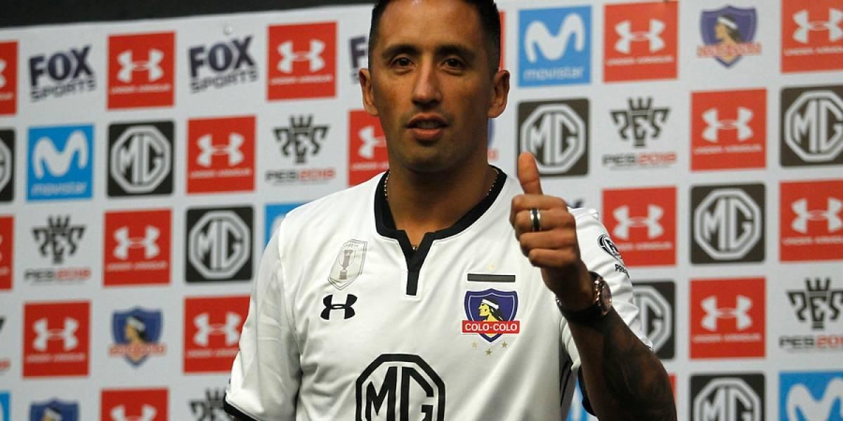 Lucas Barrios sigue los pasos de Esteban Paredes y jugará en Colo Colo con la 33 para buscar la 33