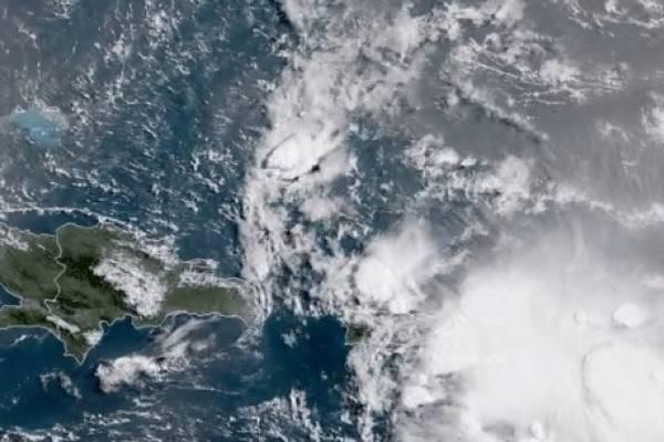 remanentes del huracán Beryl sobre Puerto Rico