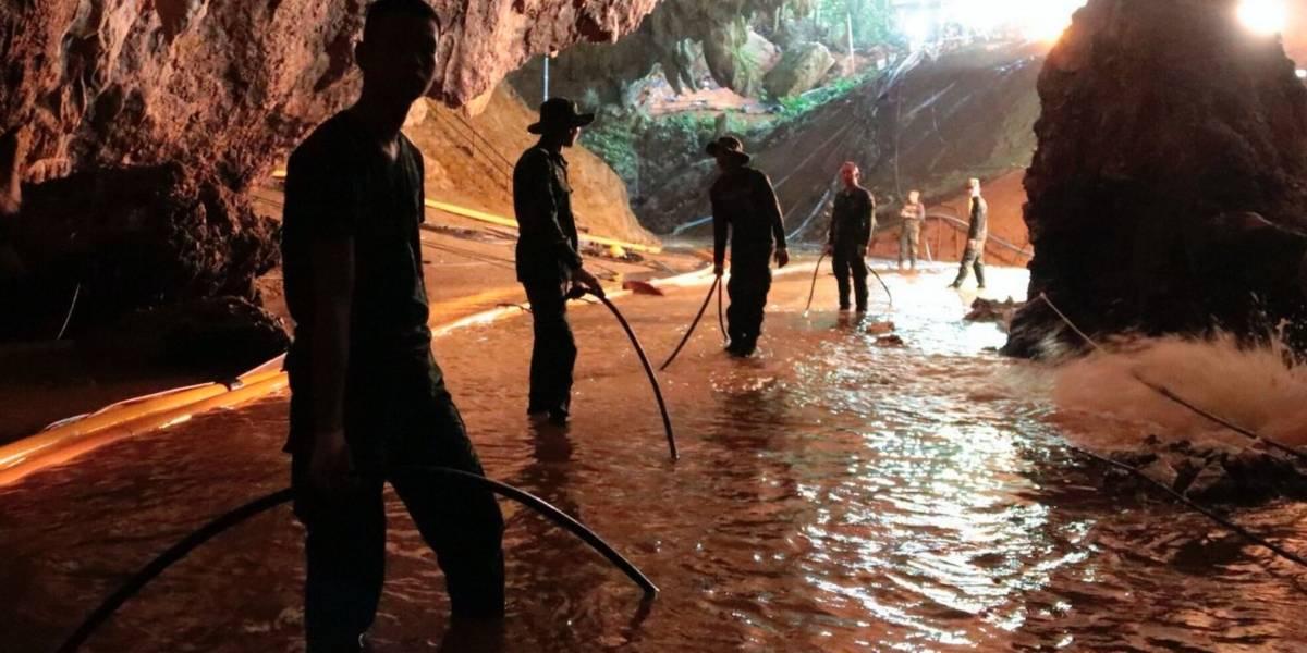 Rescatan a otros cuatro jóvenes atrapados en cueva de Tailandia