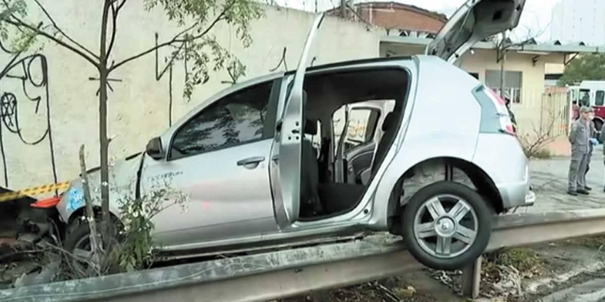 Bêbado bate carro lotado e mata dois na zona leste de São Paulo