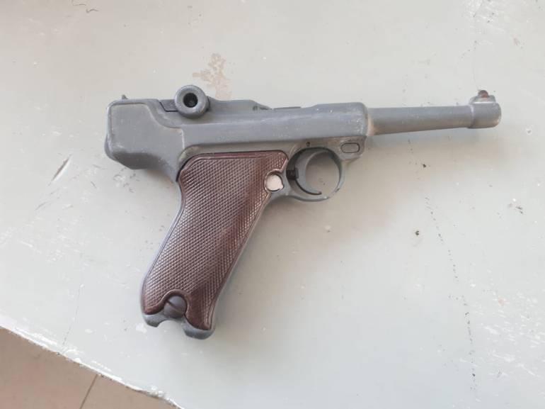 FAIL: En Colombia unos ladrones fueron atrapados pretendiendo robar con una pistola que podría valer 20.000 dólares