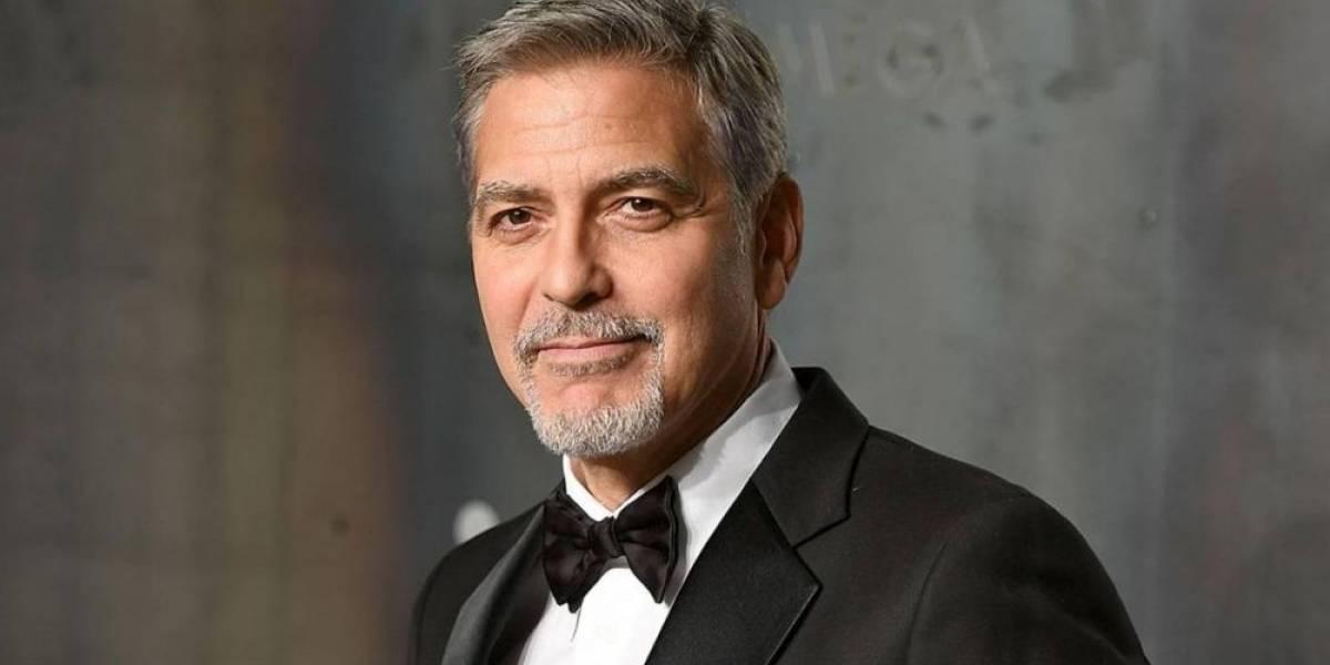George Clooney sufrió un accidente de moto y está hospitalizado