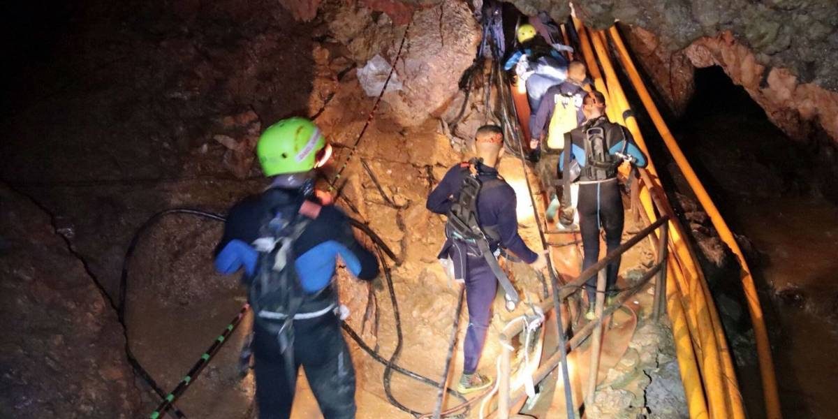 Los niños en Tailandia y otros 5 rescates mediáticos