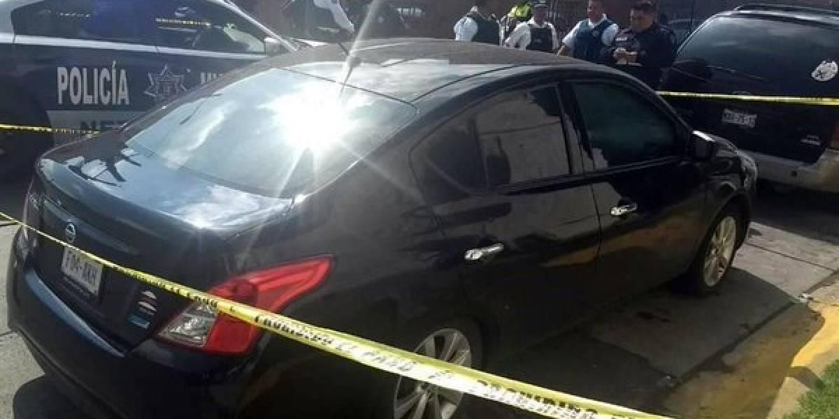 Encuentran cinco cuerpos dentro de un auto en Bosques de Aragón
