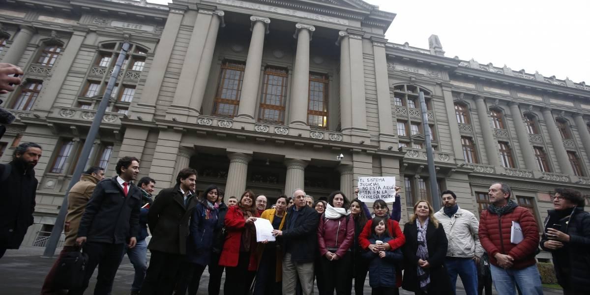 Diputados del Frente Amplio solicitan destitución de Jorge Abbott