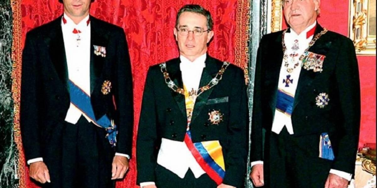 """En redes recordaron el día que Uribe """"hizo el oso"""" frente al rey de España"""