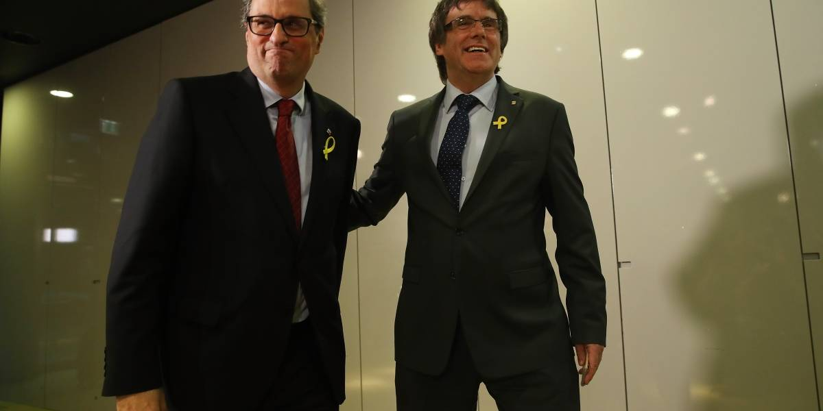 Juez español suspende a Carles Puigdemont de su cargo