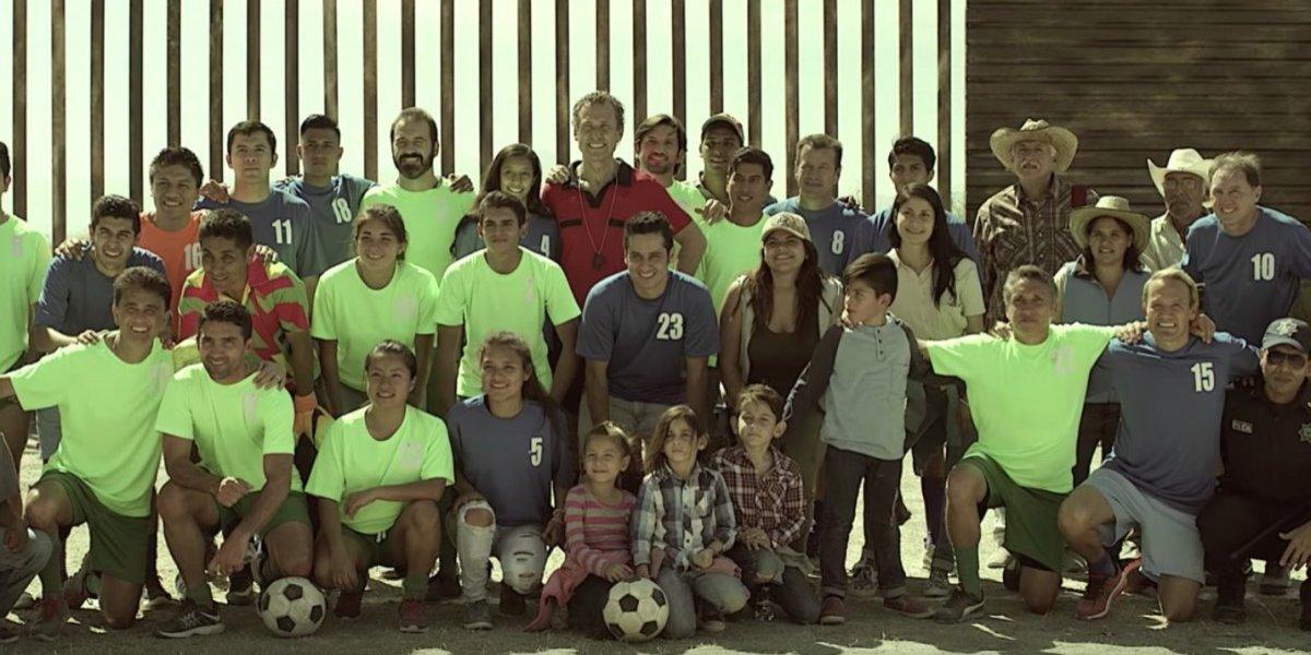 Con figuras del futbol mundial, gobierno mexicano promueve ayuda consular