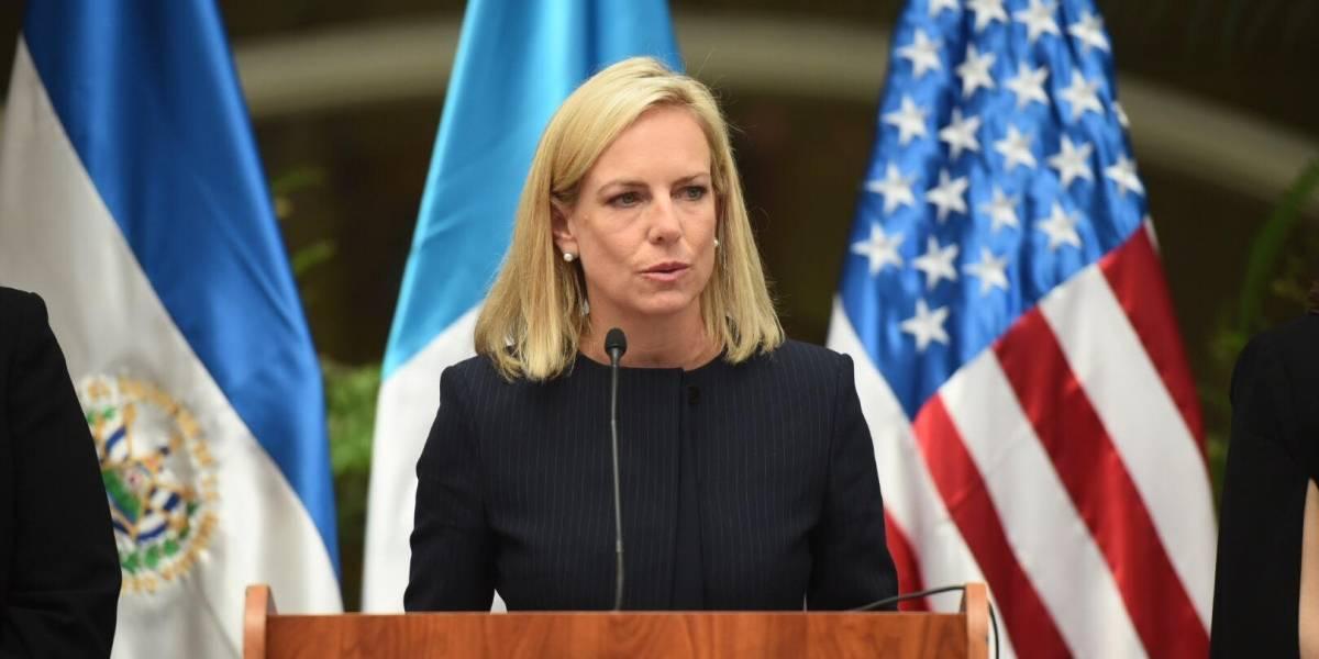 Secretaria de seguridad de EE.UU. se compromete a la reunificación familiar