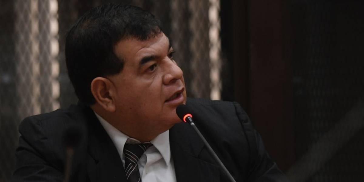 Juez decreta medidas de protección a favor del exfiscal Rony López