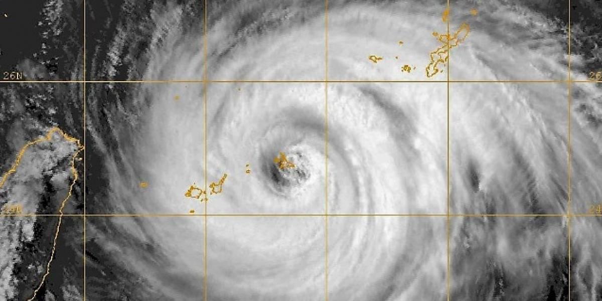 Taiwán ordena evacuaciones antes de llegada del tifón María