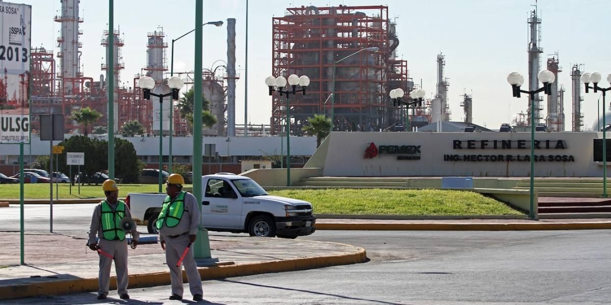 Revivir refinerías apenas reduce 50% dependencia de México a gasolina importada