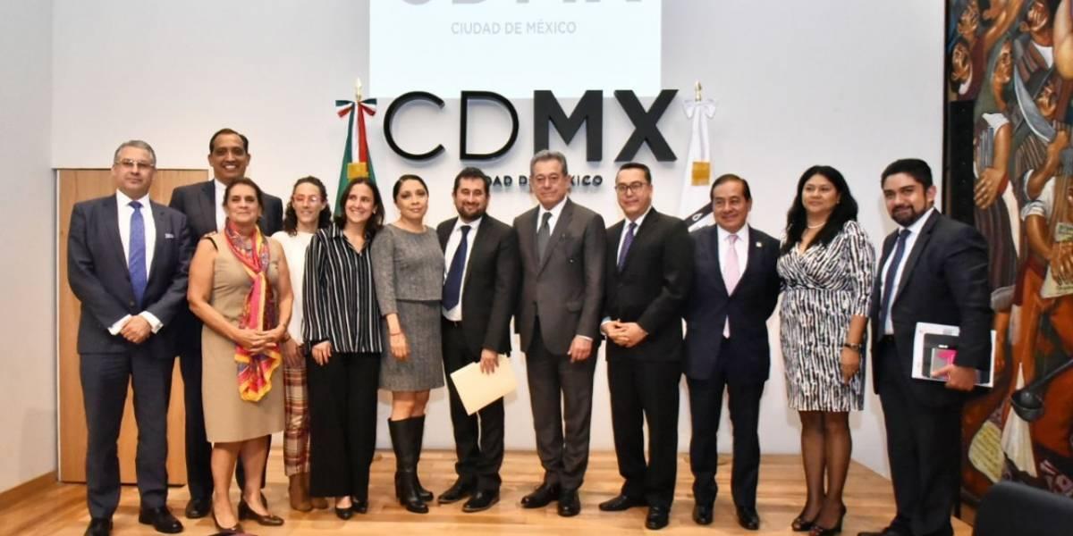 Instalan mesas de trabajo para transición en la CDMX