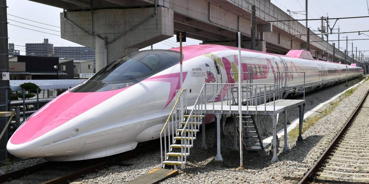 FOTOS: Japão inaugura trem-bala com temática da Hello Kitty