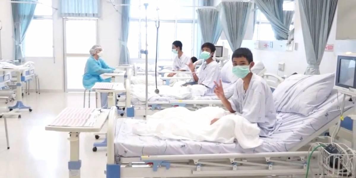 Garotos resgatados de caverna na Tailândia deixarão hospital na próxima semana