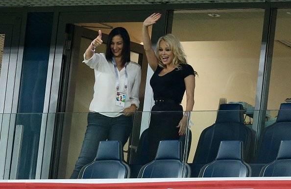 Pamela Anderson en el Mundial de Rusia alentando a su novio Getty Images