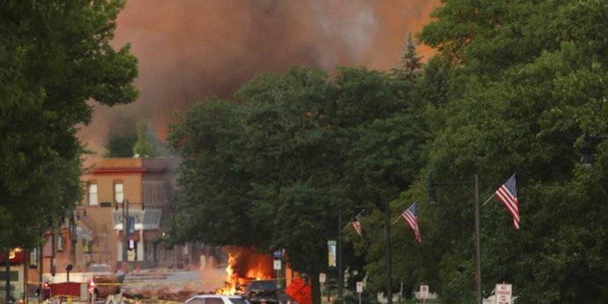 Muere un bombero tras explosión de gas natural en Wisconsin