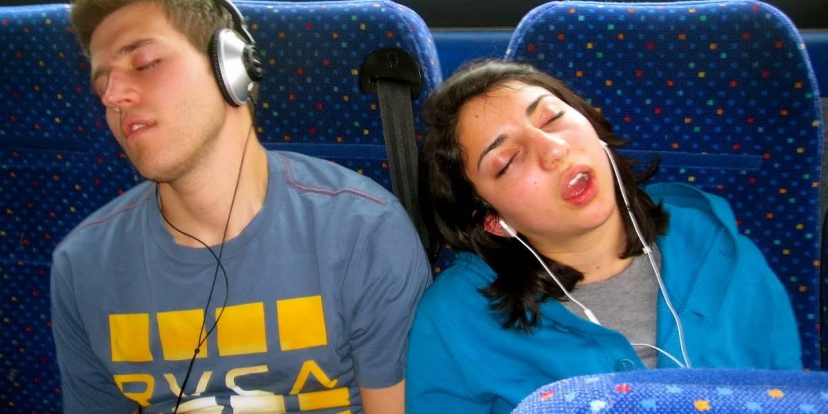 ¿Por qué algunas personas se duermen en el bus y despiertan justo antes de su parada?