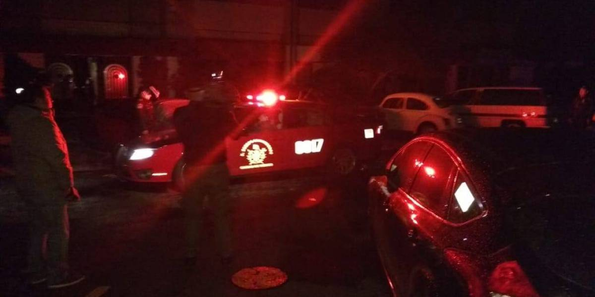 Tlatelolco se queda sin energía y 5 personas quedan atrapadas en elevador