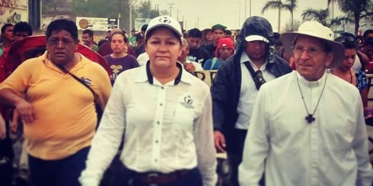 Ella es Elizabeth Lara, la propuesta de Solalinde para CNDH
