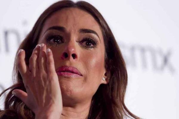 Galilea Montijo llorando
