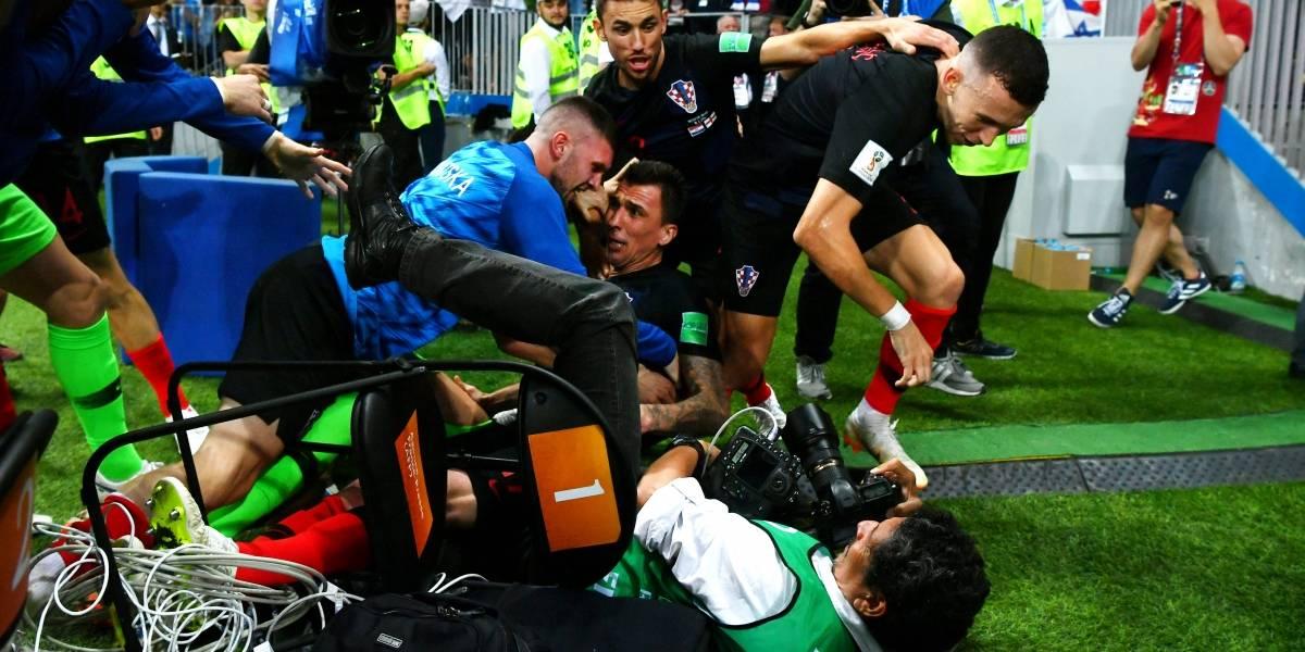 Yuri Cortez, el fotógrafo que fue besado por futbolistas croatas