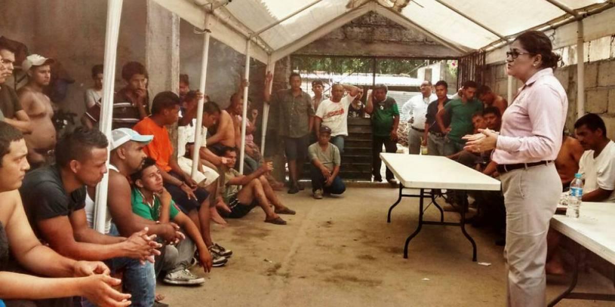 PGR resguarda a 23 migrantes y los entrega al INM de Chiapas