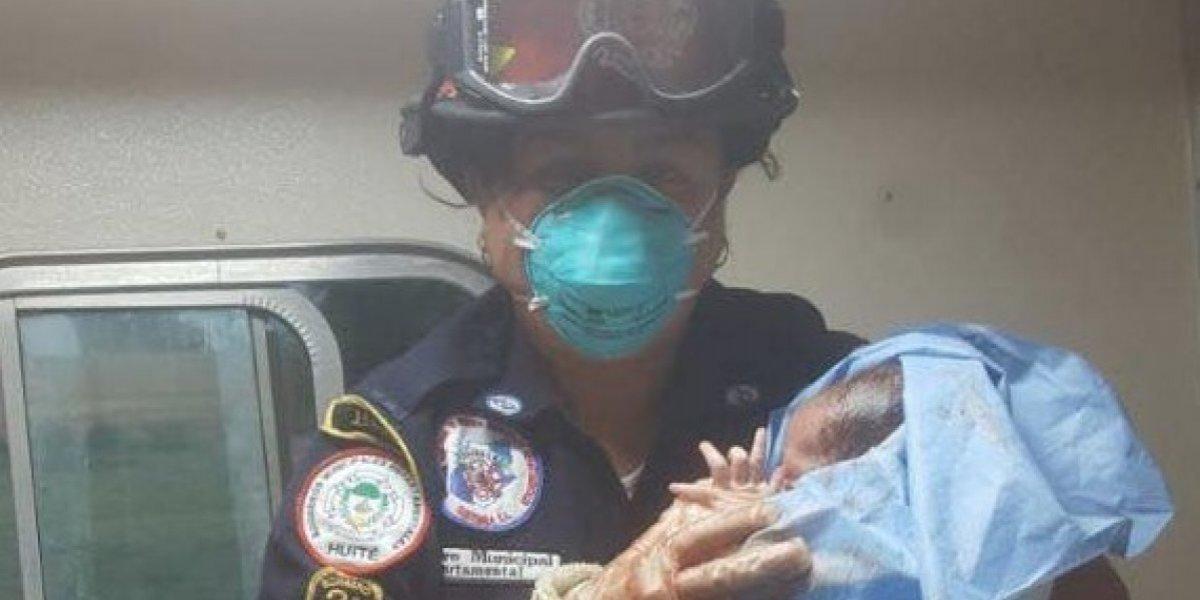 Bebé nace en el interior de una ambulancia en Huité, Zacapa