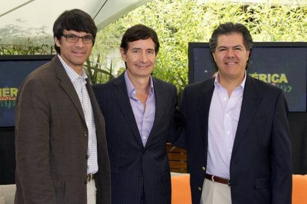 Santiago Galindo y colegas