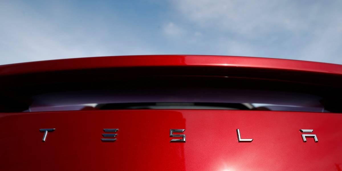 Tesla se expande y abre una fábrica en China