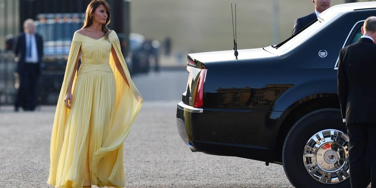 Festa de gala: Melania Trump aparece com look estonteante