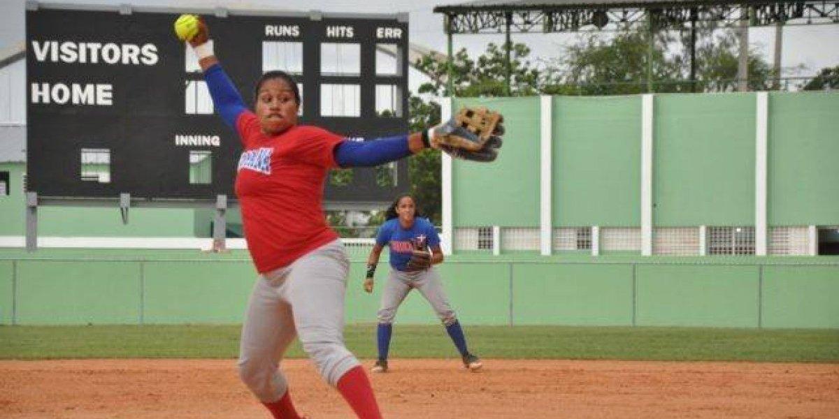 Selección femenina de sóftbol gana partidos de fogueo en Miami, EE. UU.