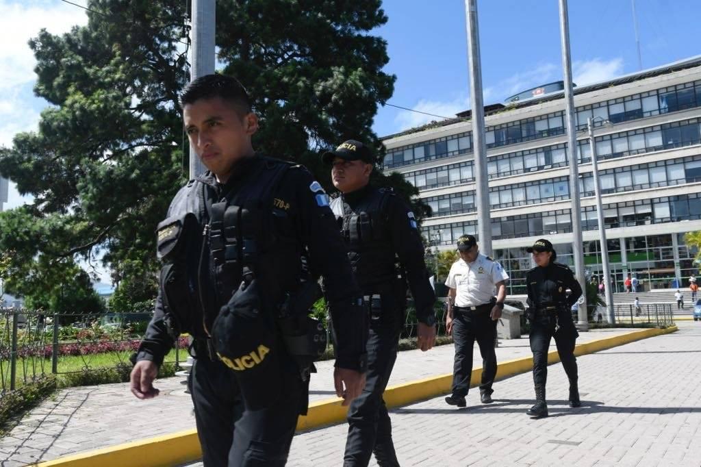 Allanamientos en Municipalidad de Guatemala. Foto: Omar Solís