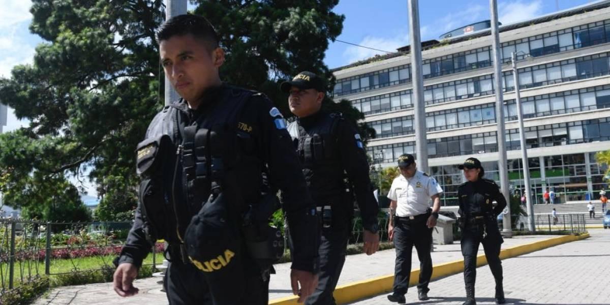 """Vocero de MuniGuate: """"Llegaron 20 elementos fuertemente armados para ir a traer dos facturas de tamales"""""""