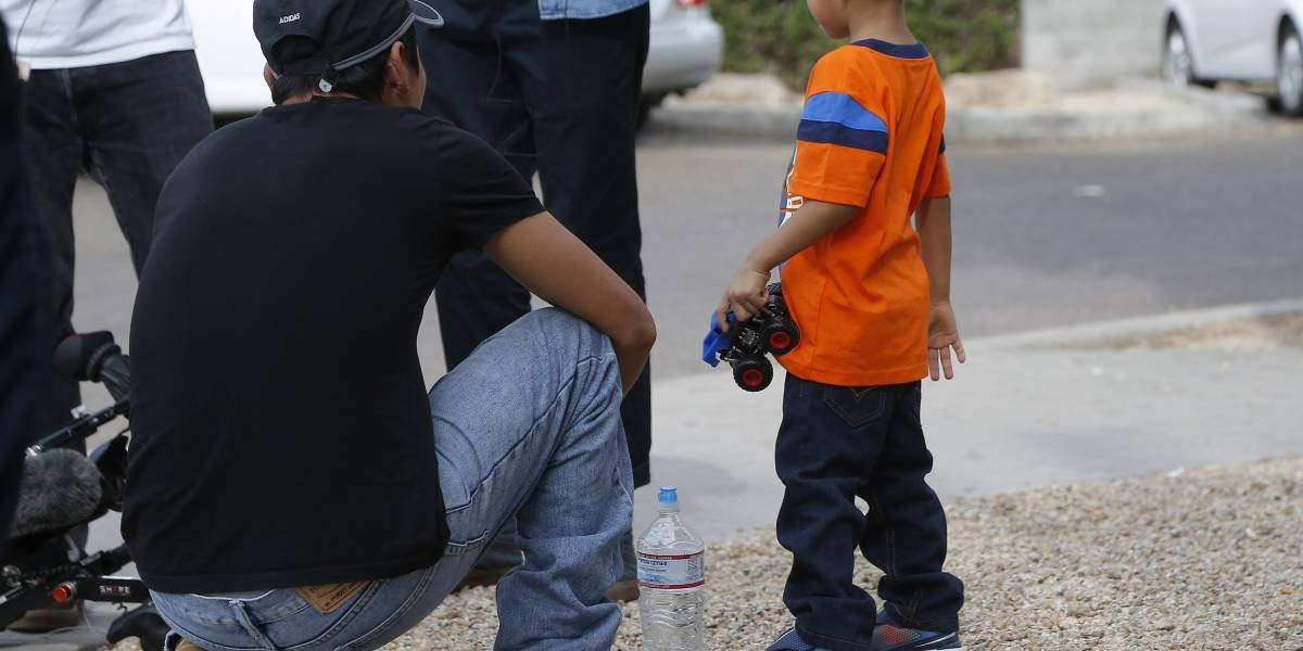 Niños migrantes más pequeños en Estados Unidos ya están con sus familias
