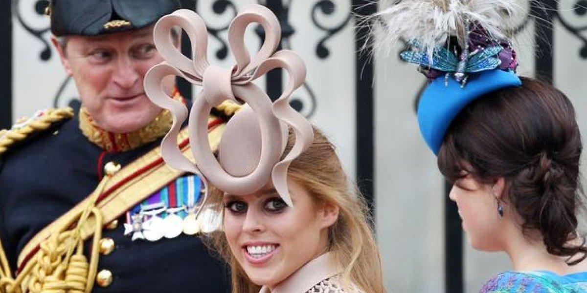5 looks que provam que a princesa Beatrice é a neta rebelde da rainha Elizabeth II