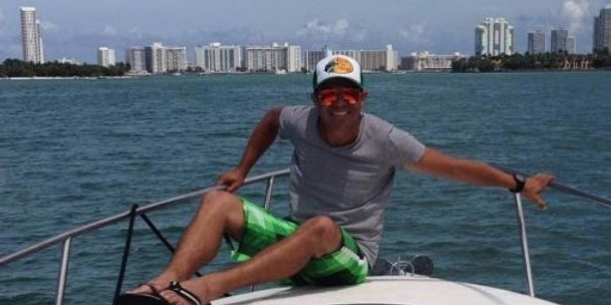 Con lujos de millonario, así vive Piter Albeiro en Miami